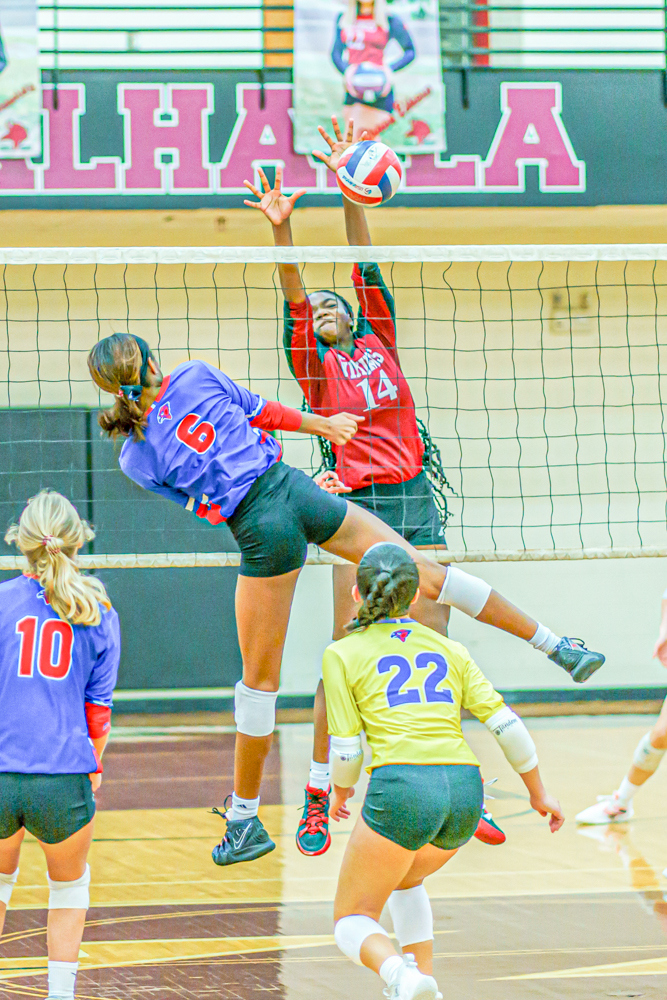 10-13-2021-Heritage-Volleyball-010.jpg?mtime=20211012153437#asset:66711