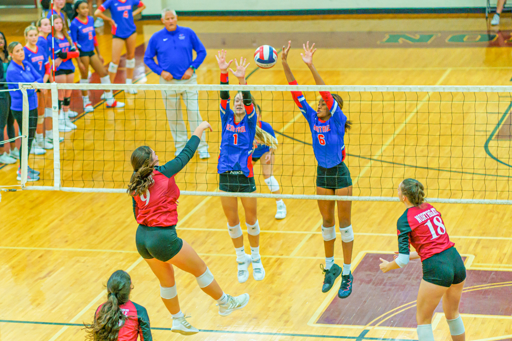 10-13-2021-Heritage-Volleyball-011.jpg?mtime=20211012153437#asset:66710