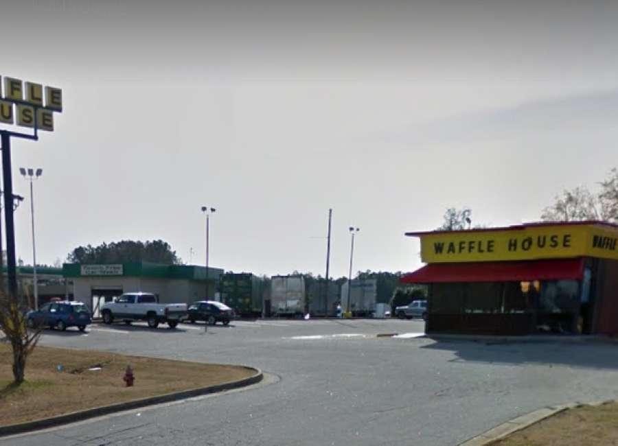 Shot man pulls 'dine and dash' at Waffle House