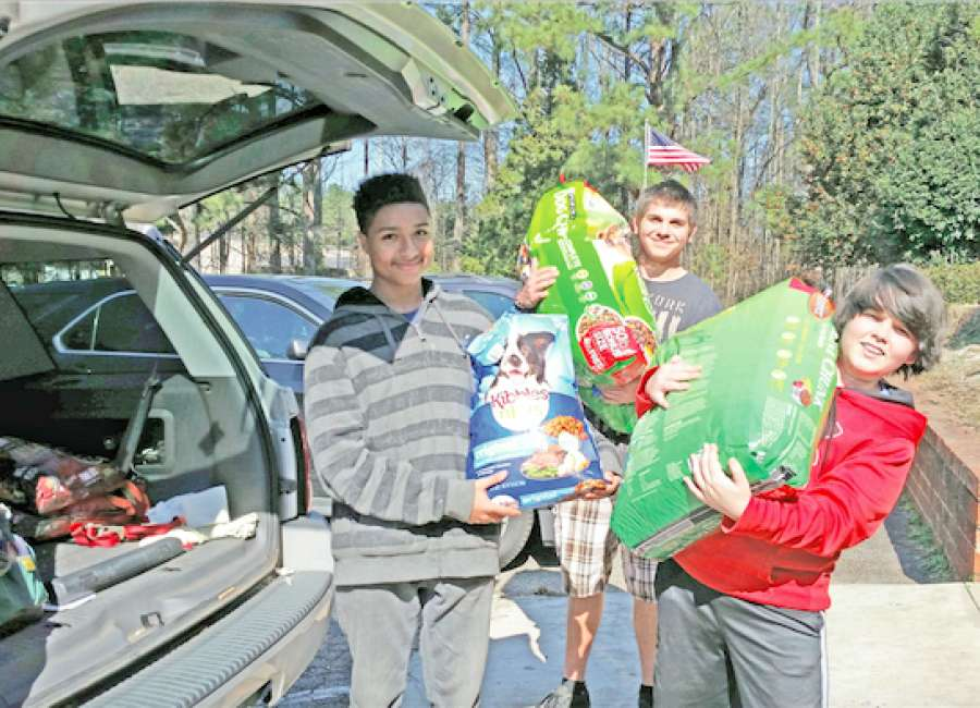 Students donate 1,257 pounds of pet supplies