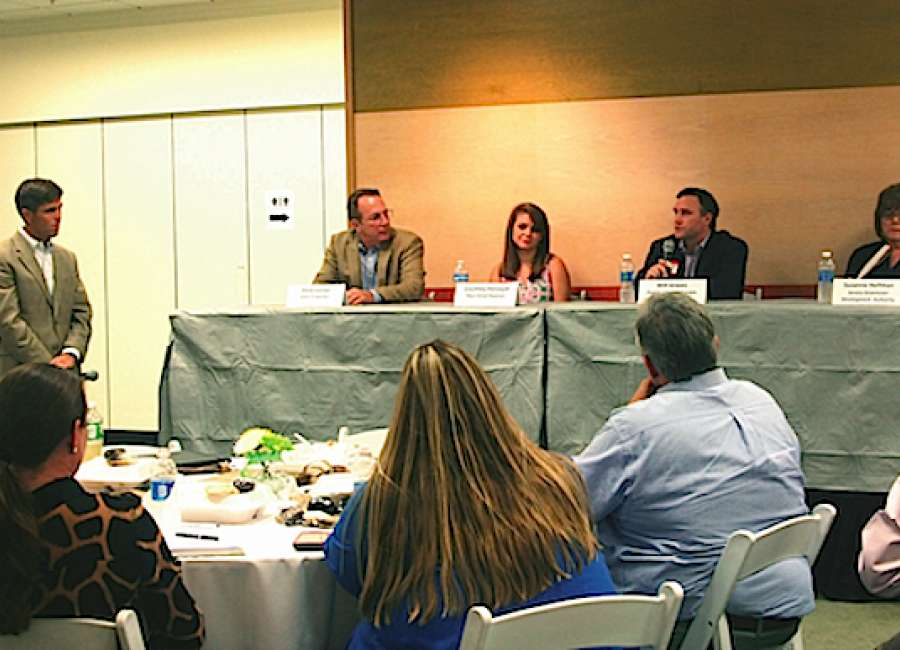 Panel: Brick and mortar stores not dead