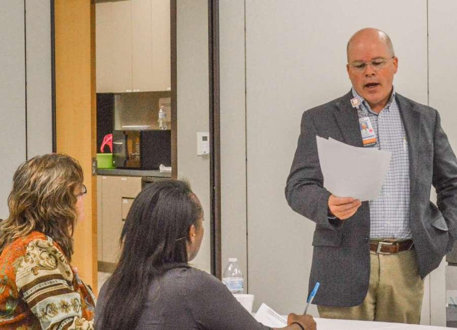 Doctors meet to discuss opioid issues