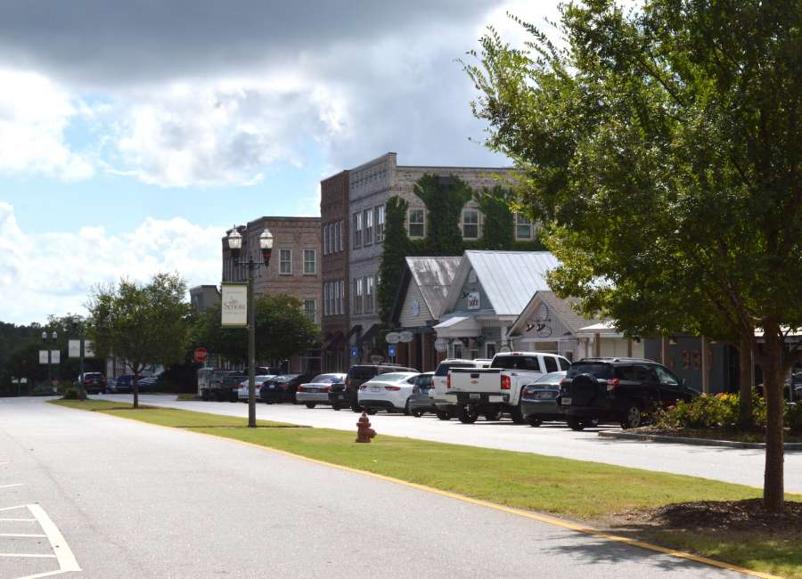 Senoia creating entertainment district for open container