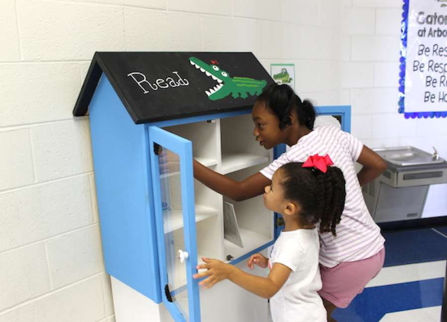 Arbor Springs' 'Little Free Library' is open for business