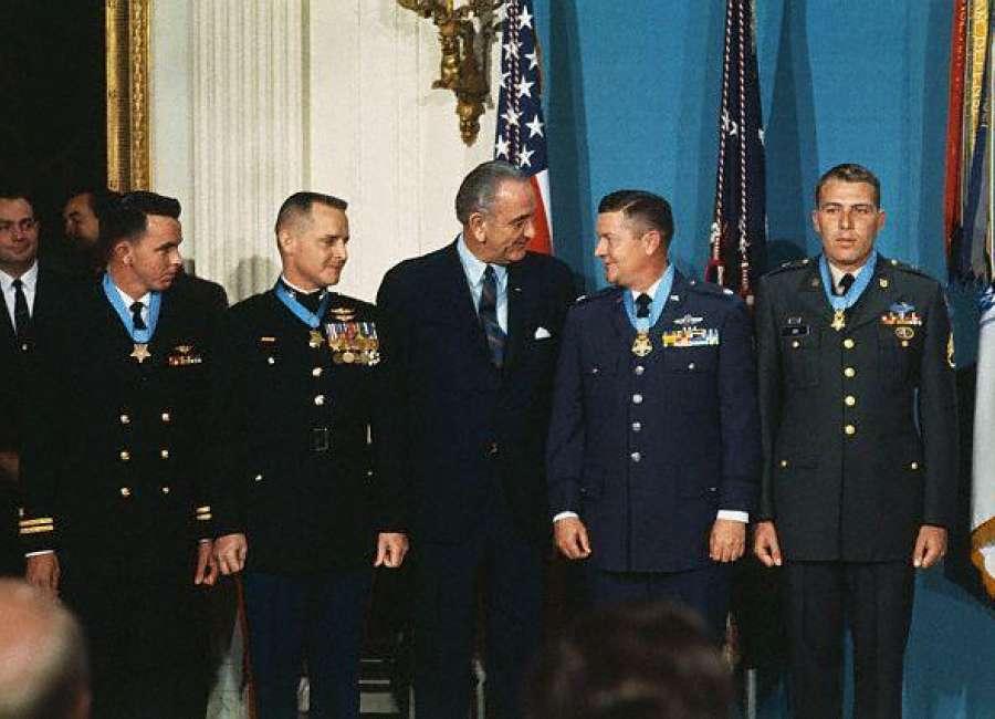 Col. Joe Jackson, Medal of Honor hero, dies in Washington state