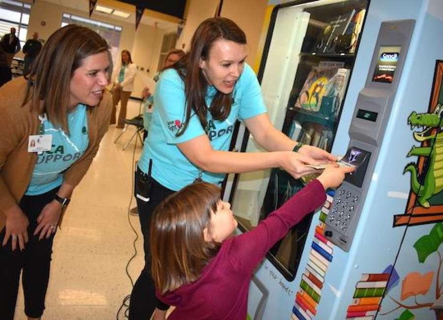 Glanton surprises students with custom book vending machine