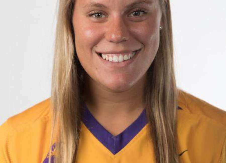 Health issues help former Northgate softball player Jenna Pealor put life in perspective