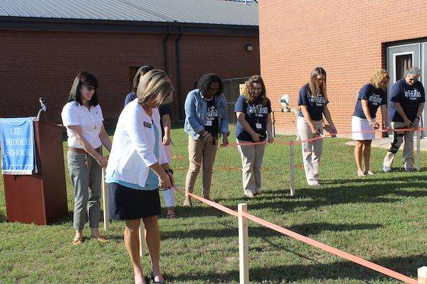 Lee Middle holds STEAM Team greenhouse ribbon cutting
