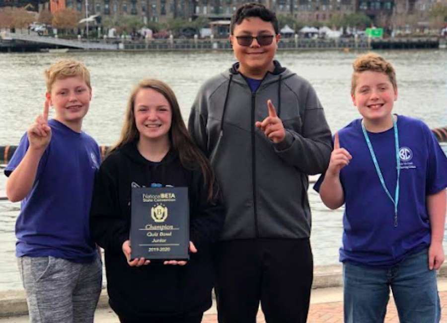 Lee Middle quiz bowl team takes title