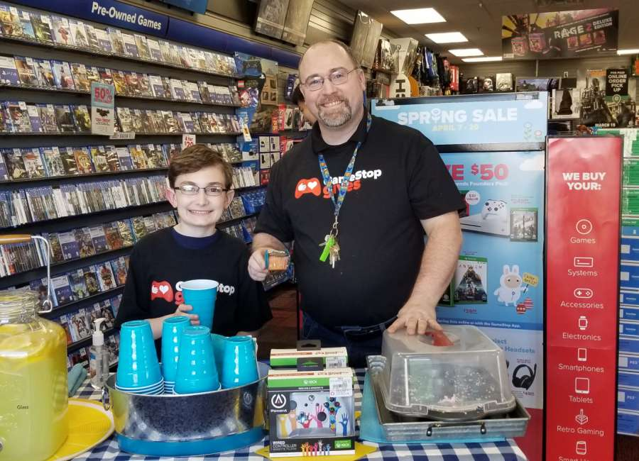 Lemonade stand at GameStop supports autism awareness