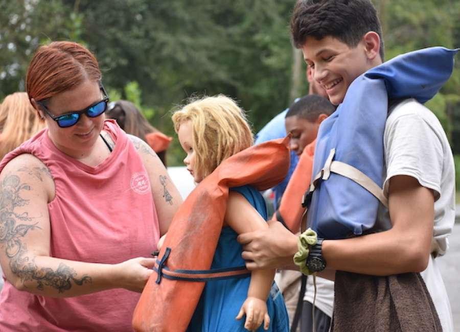 Newnan High volunteers participate in Rivers Alive