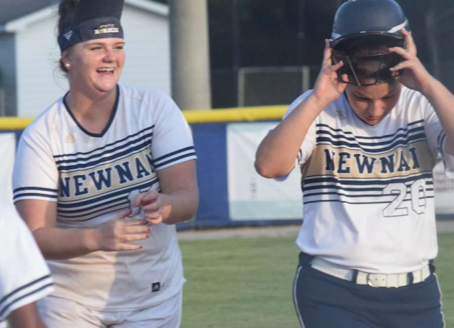 Newnan, Lassiter split first-round games to open state tournament