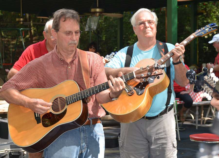 Pickin' on the Square musicians reflect on 11-year history