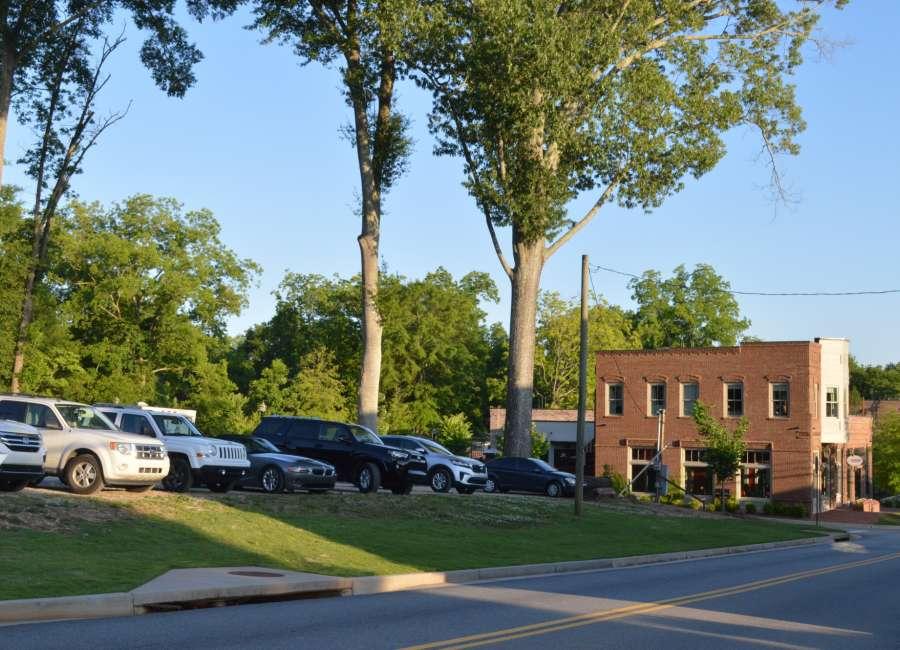 Senoia land swap will bring more parking, development
