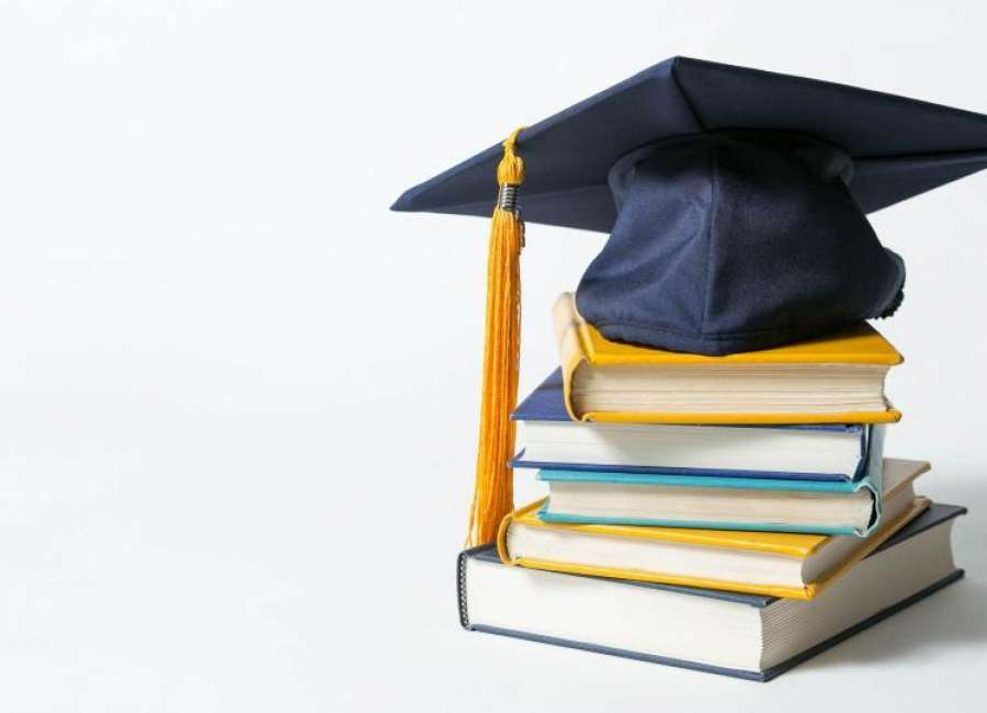 Coweta students win Coweta-Fayette EMC scholarships