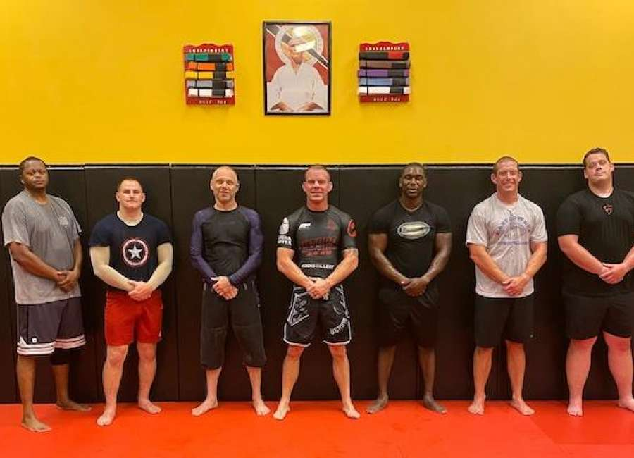 Independent MMA looking for businesses to sponsor police officers