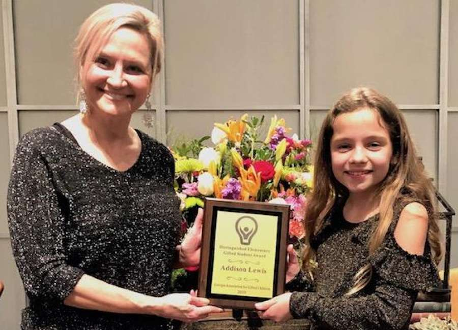 Lewis named Distinguished Elementary Student