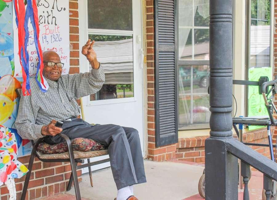 Newnan World War II vet celebrates 94th birthday