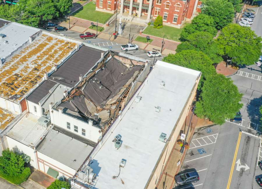 Officials confirm roof collapse in downtown Newnan