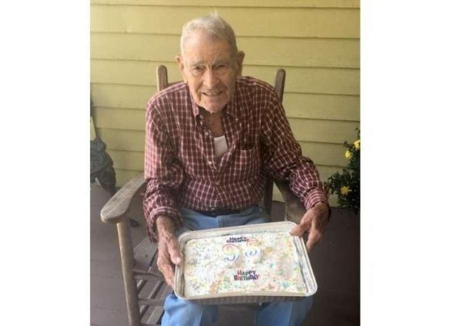 Sargent Baptist celebrates WWII Vets 95th birthday