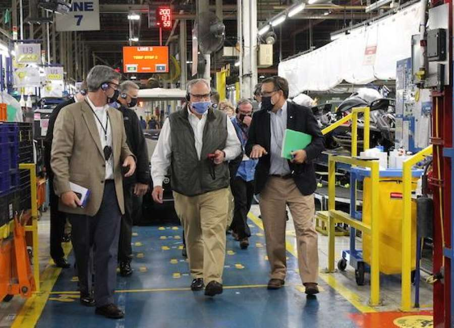 U.S. Secretary of the Interior visits Yamaha