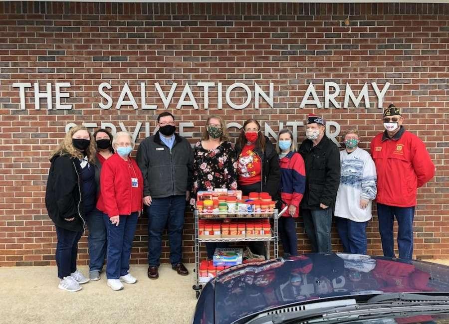 VFW donates to food pantry