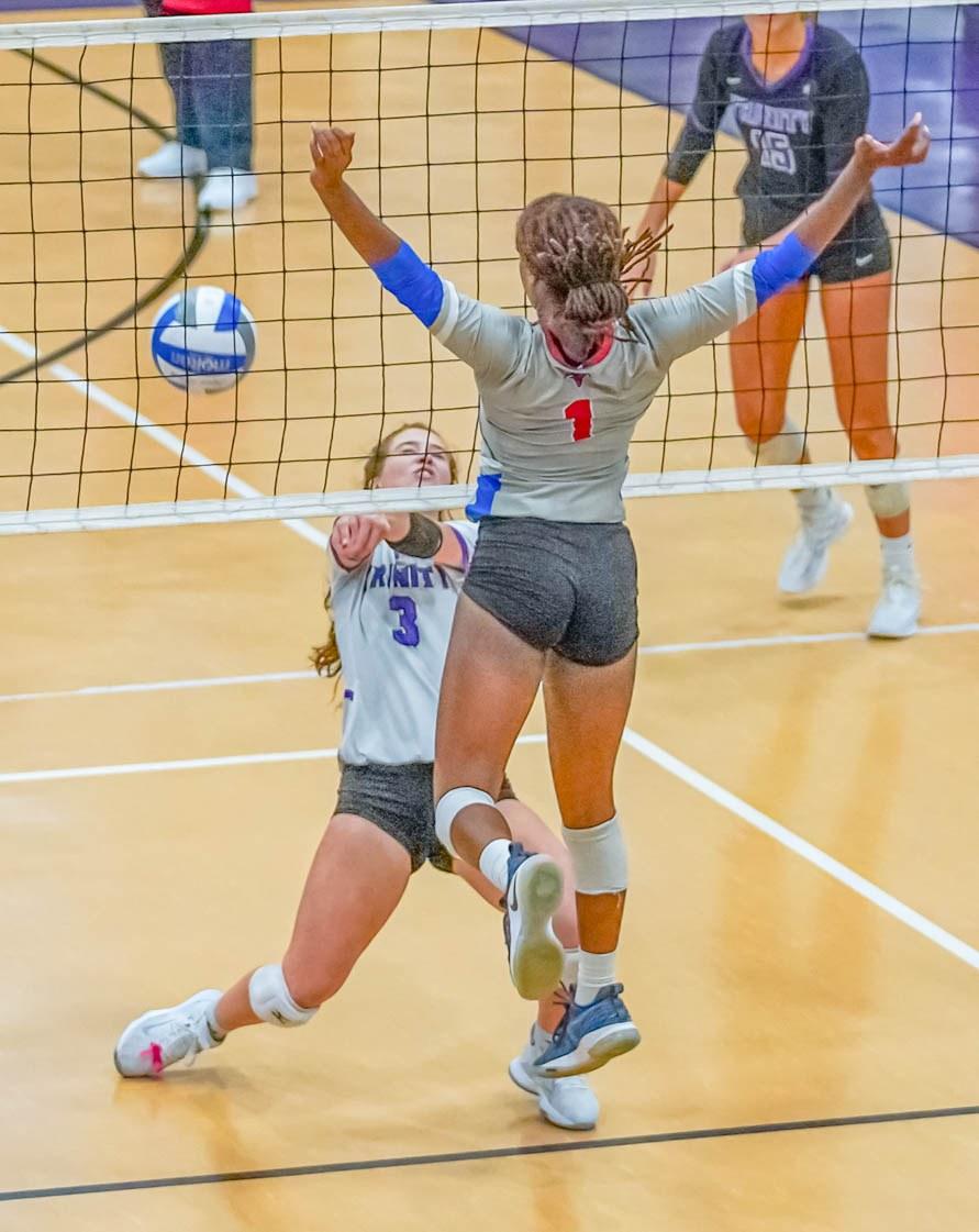 20200926-SPORT-Trinity-vs-Heritage-volleyball-5.jpg?mtime=20200925145527#asset:52772