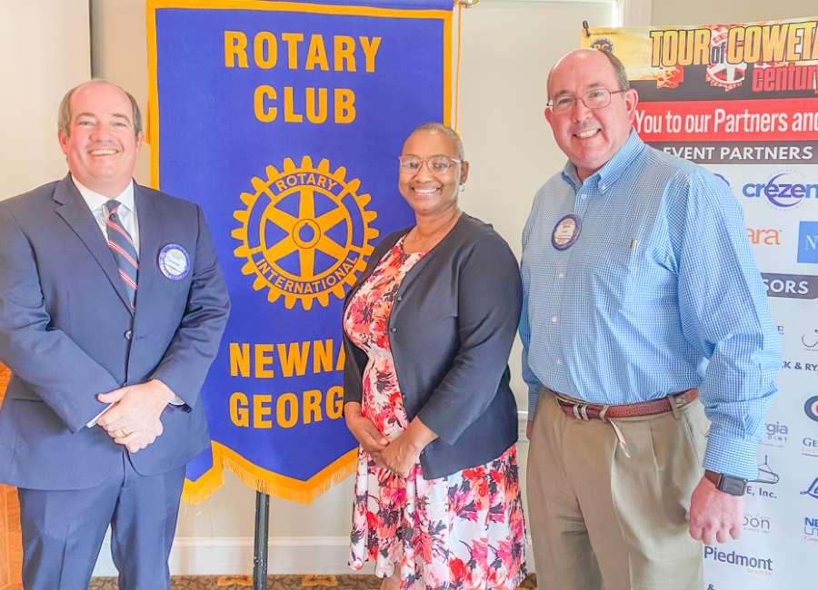 American Legion commander speaks to Rotary