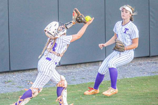 Cutright holds off Brookstone for the victory