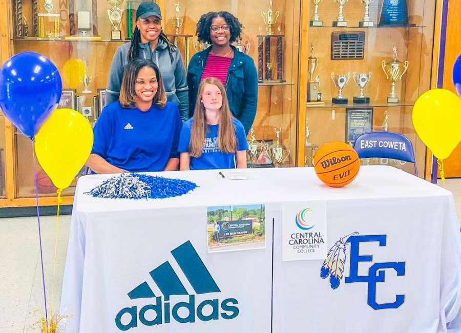 Emmy Ashley signs with Central Carolina
