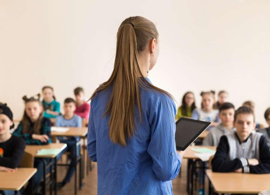 Ga. to give teachers, school staff bonuses