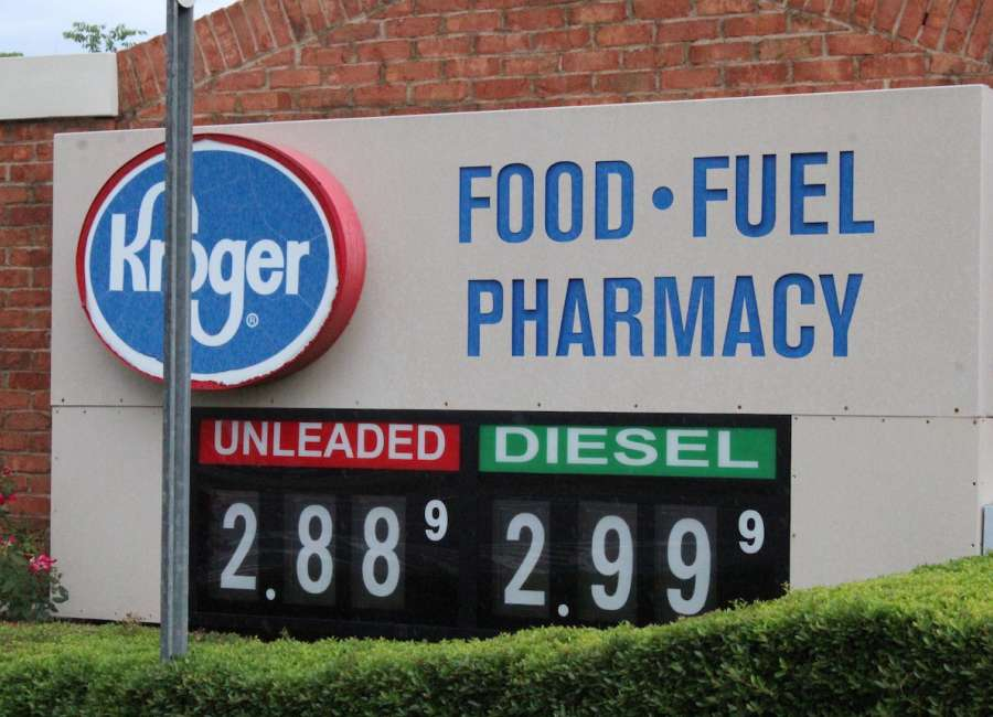 Gas prices in Coweta continue downward slide