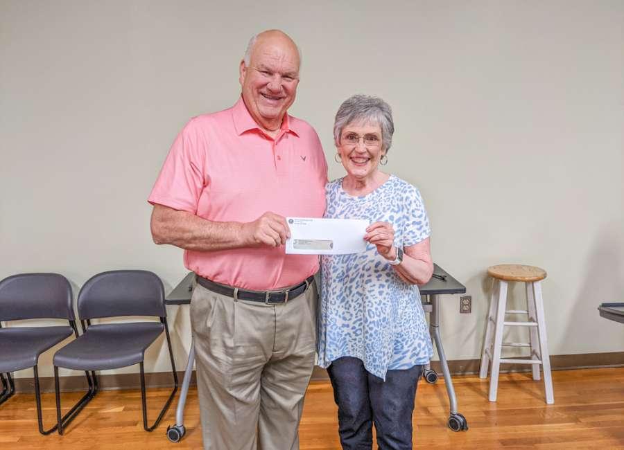 Kiwanis donates to new middle school