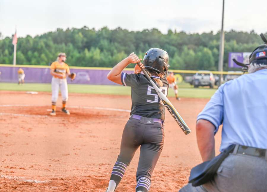 Lady Lions hold on for a 9-8 win over Troup County