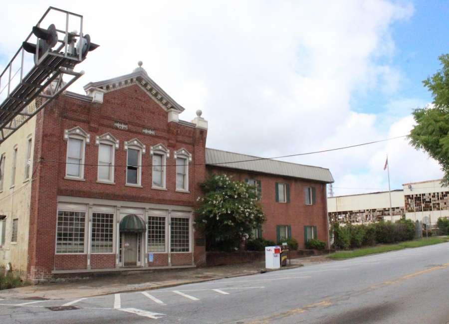 Newnan to release RFPs to demolish Caldwell buildings