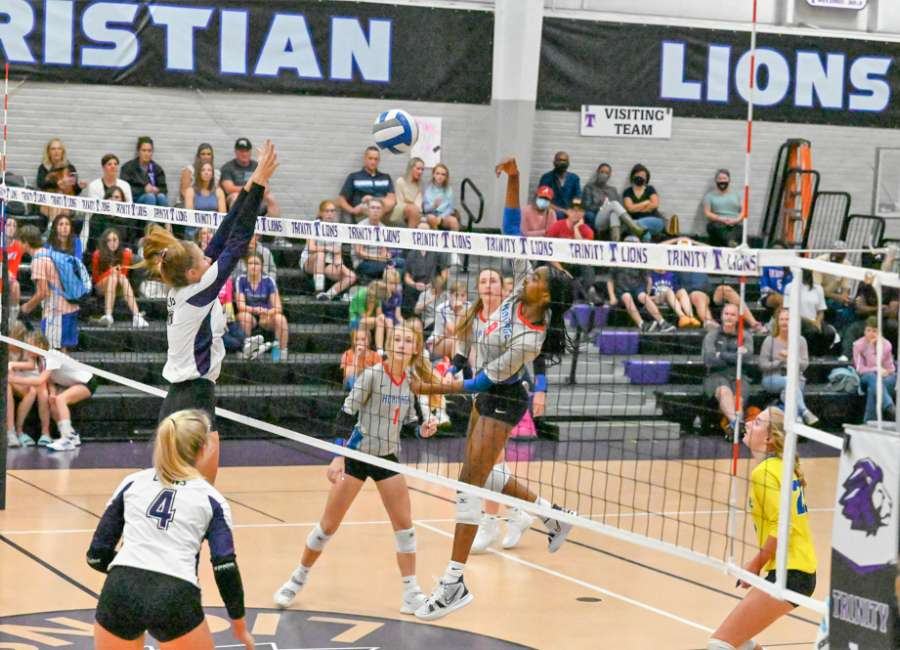 Trinity sweeps Heritage in volleyball